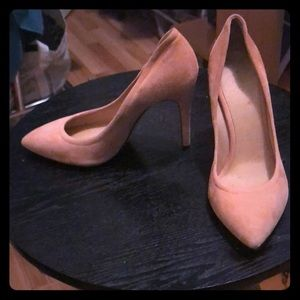 Authentic IRO Sydrae Pumps in light pink/peach